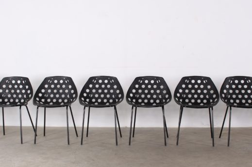 "Rare suite de 10 chaises ""coquille"""