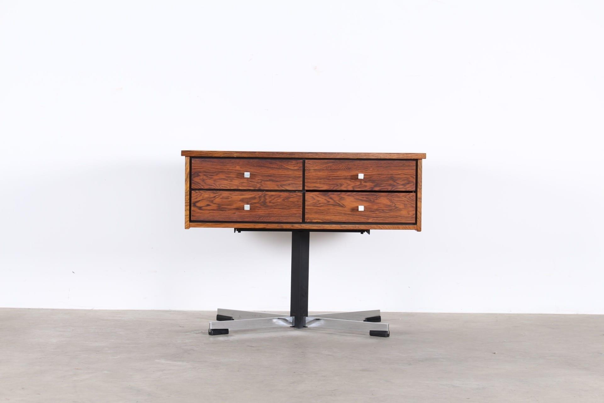 meuble tv rotatif meubles vintage li ge. Black Bedroom Furniture Sets. Home Design Ideas