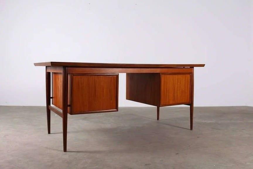 Bureau en teck oswald vermaercke pour v form meubles vintage liège