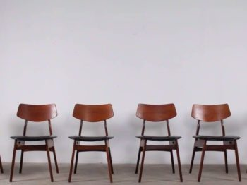 Suite de six chaises scandinaves - Anonyme