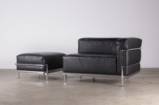 fauteuil méridienne pouf en cuir et acier chromé jeanneret perriand cassina design vintage à liège
