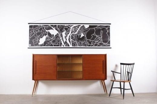 buffet enfilade haut en teck sur pieds fuseau vitrine centrale design vintage scandinave à liège addict