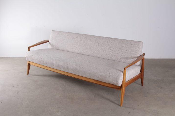 banquette trois personnes convertible en lit de repos tissus de laine claire design vintage scandinave à liège