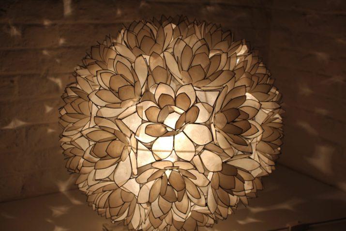 Importante lampe de table en nacre - Rausch Editeur