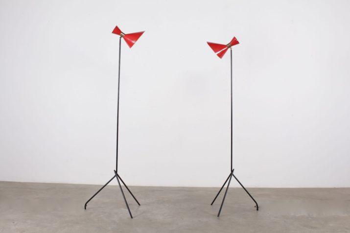 lampadaire en métal réflecteurs laqué rouge forme diabolo design vintage france années 50 à Liège addict