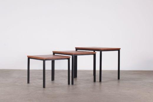 table basses gigognes design vintage france teck et acier Pierre guariche à Liège