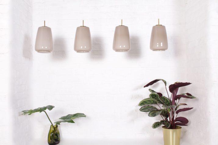 lampes en verre opalin et laiton design vintage à Liège