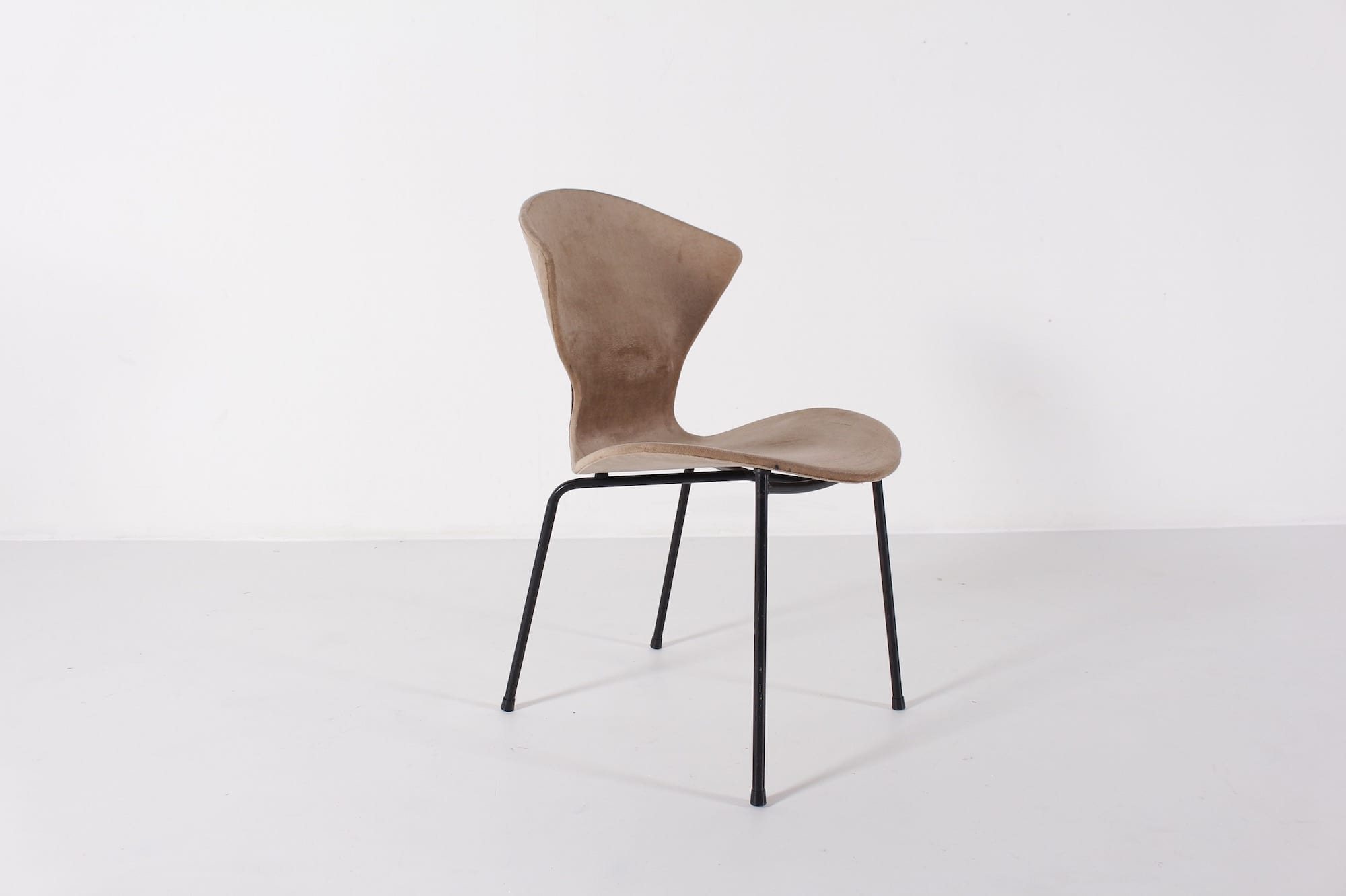 genevi ve dangles pour burov 6 chaises meubles vintage li ge. Black Bedroom Furniture Sets. Home Design Ideas
