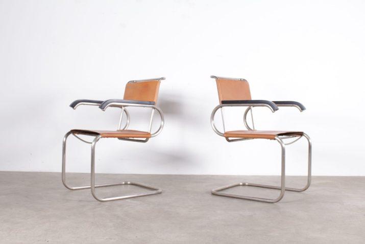 """Paire de chaises """"Cantilever"""" Marcel Breuer cuir cognac"""