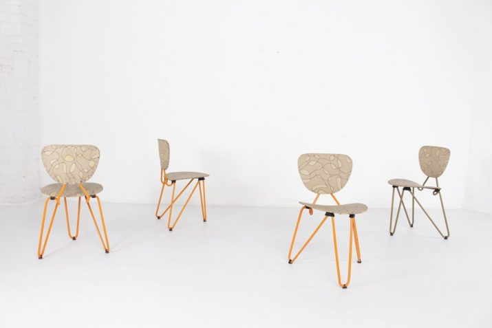 """4 chaises """"formes libres"""""""