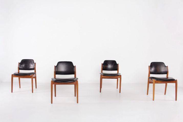 4 chaises cuir noir Arne Vodder