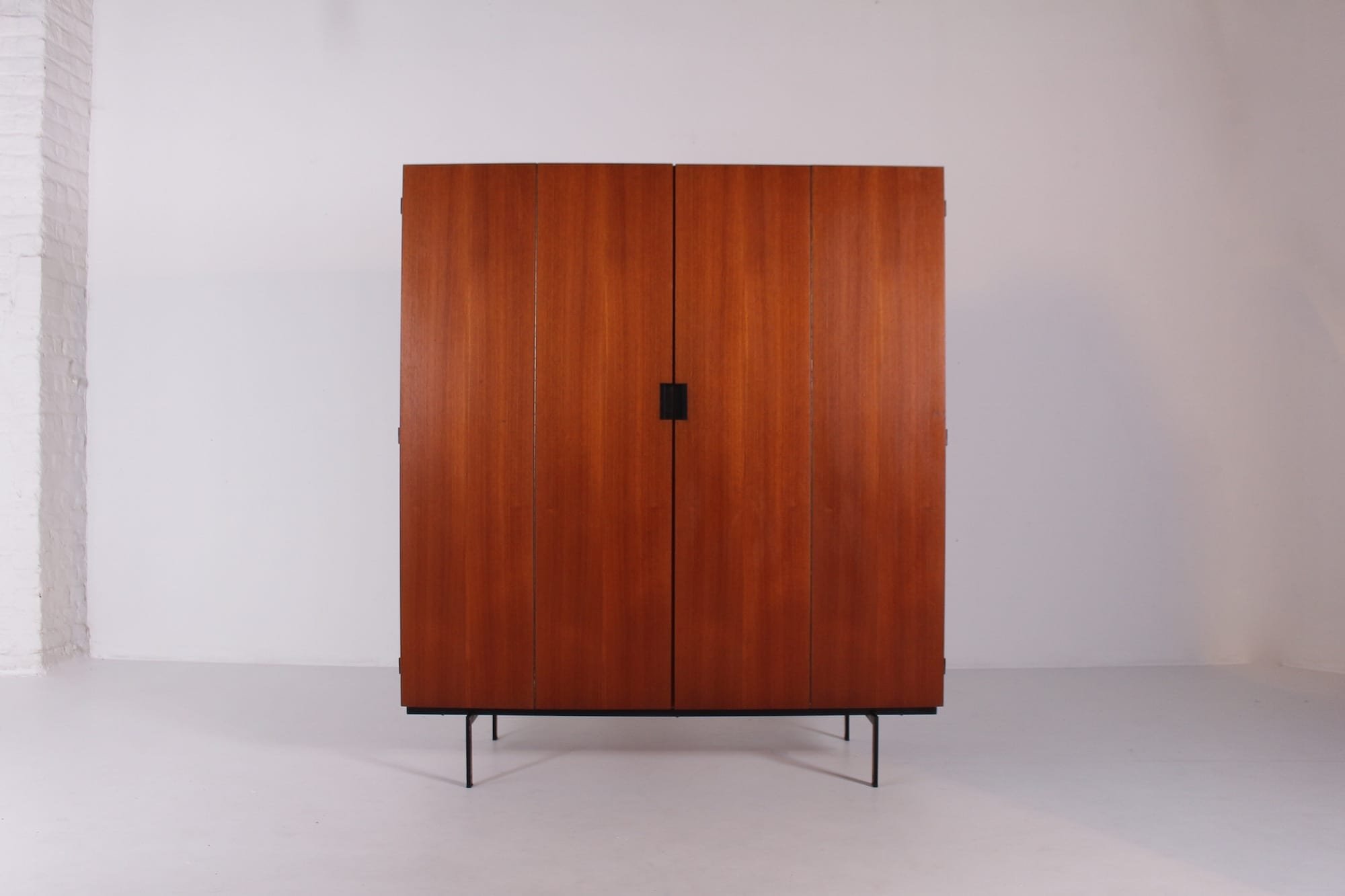 garde robe japanese serie cees braakman meubles vintage li ge. Black Bedroom Furniture Sets. Home Design Ideas