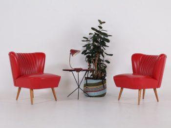 """Paire de fauteuils """"cocktail"""" rouges"""