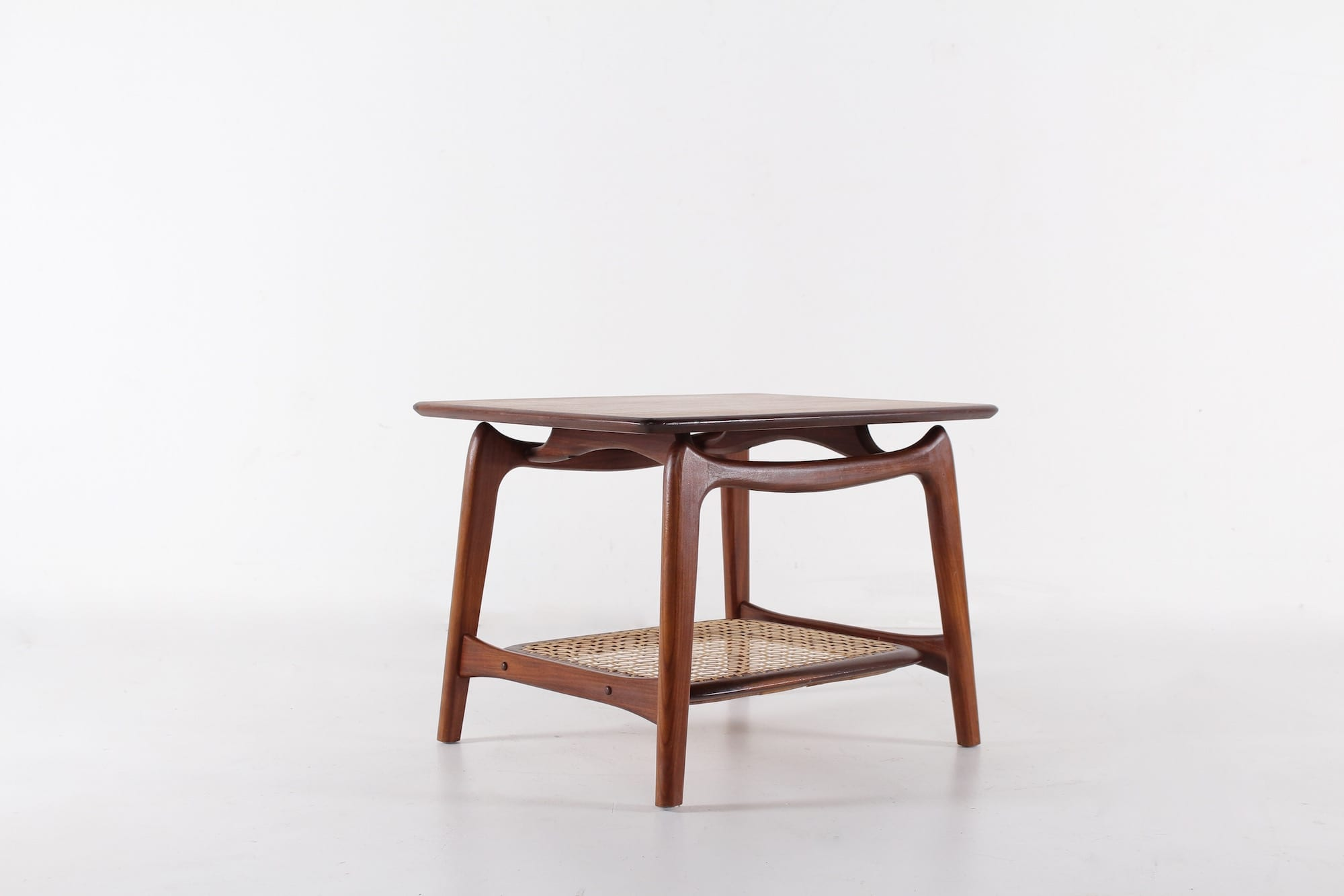 petite table basse louis van teeffelen meubles vintage li ge. Black Bedroom Furniture Sets. Home Design Ideas