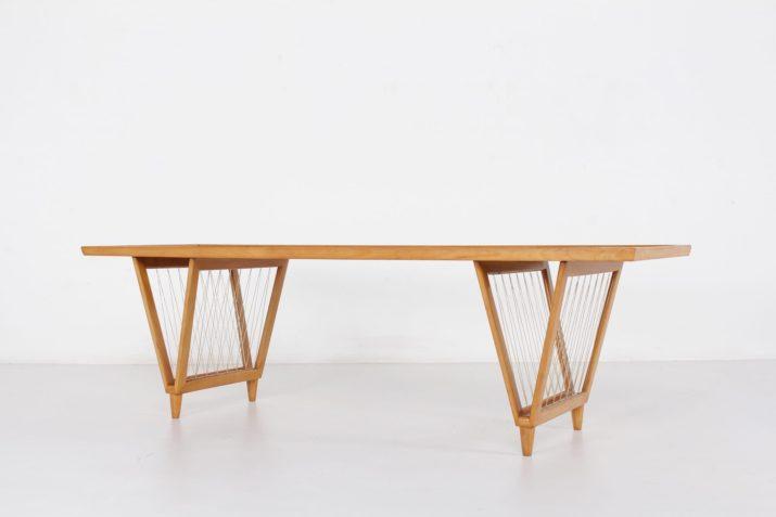 Table basse porte-revues minimaliste