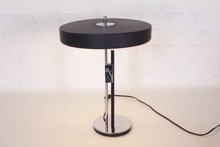 Lampe de bureau moderniste