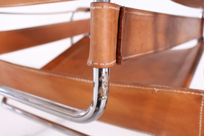 """Paire de fauteuils """"Wassily"""" cuir fauve / cognac d'après M. Breuer"""