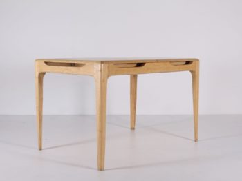 Table à allonge centrale en bouleau
