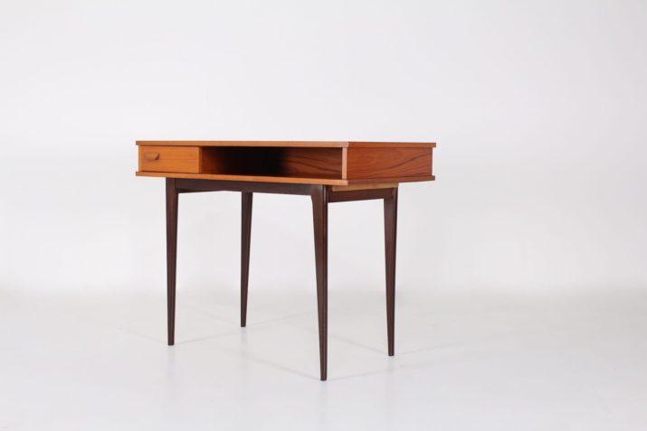 Elegant petit bureau moderniste