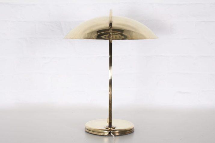 Lampe de bureau Bauhaus en laiton massif.