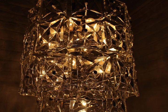 Grand lustre à pampilles pointes de diamant Kinkeldey