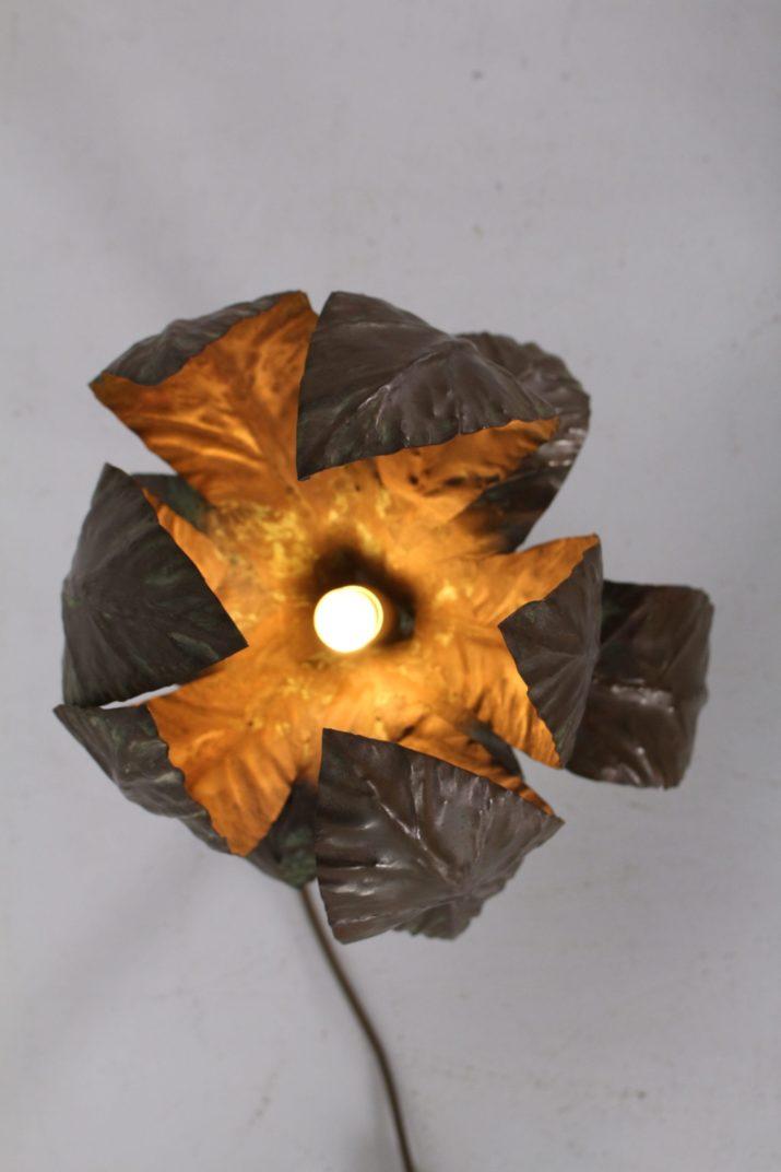 Lampe brutaliste en cuivre
