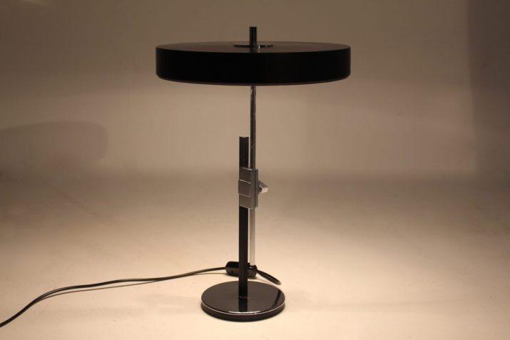 Lampe moderniste ajustable
