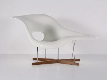 "Charles & Ray Eames ""La Chaise"""
