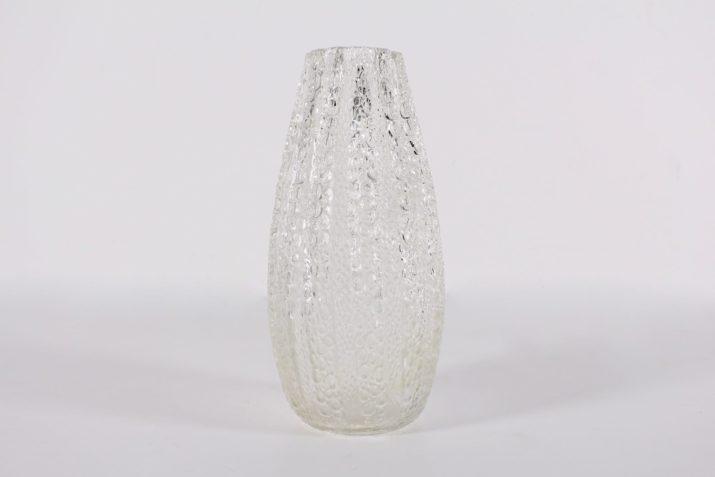 Important vase brutaliste en cristal