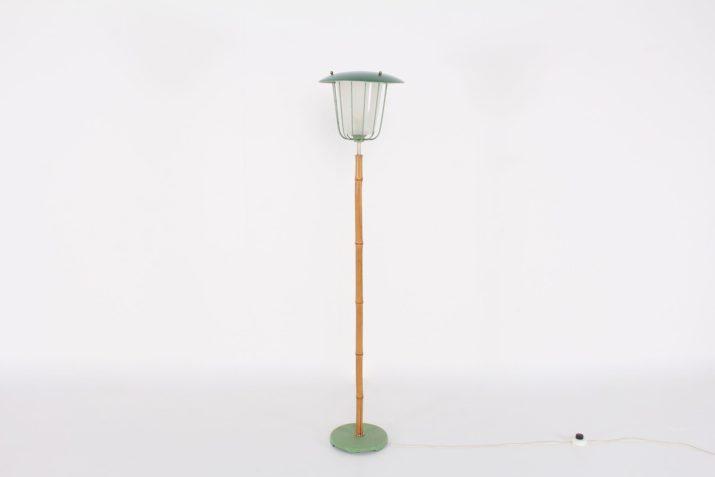 Lampadaire moderniste en bambou
