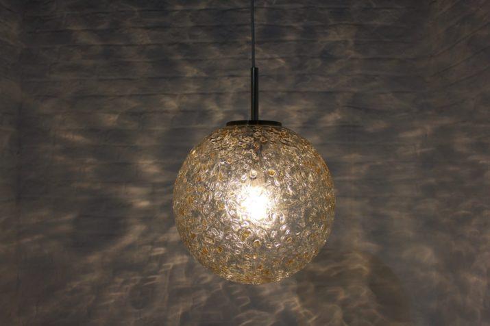 Suspension en verre texturé