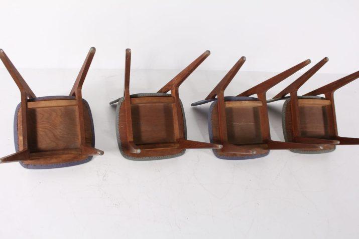 "4 chaises ""6517"" Roger Landault"