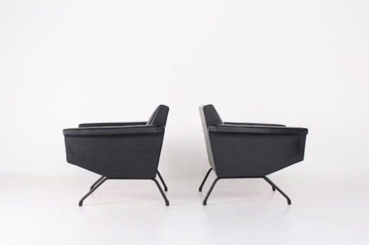 """2 fauteuils """"Visiteur"""" Pierre Guariche & Meurop"""