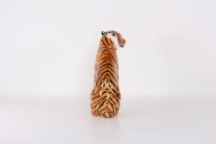 Grand tigre en terre cuite vernissée