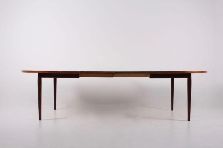 Table ovale à  allonges en palissandre Arne Vodder & Sibast