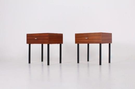 Paire de chevets / Tables de nuit Pierre Guariche