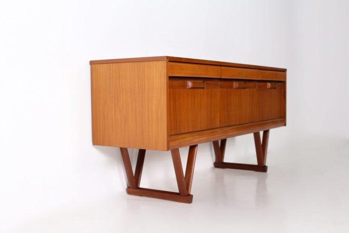 Buffet scandinave à tiroirs