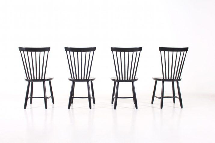4 chaises noires à barreaux