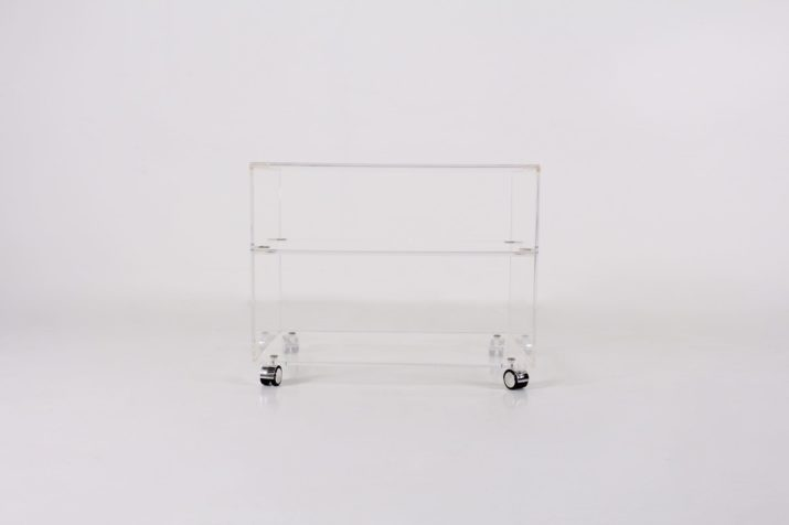 Desserte en plexiglass
