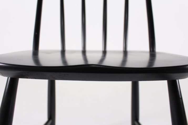 Chaise Ercol style Tapiovaara noire.