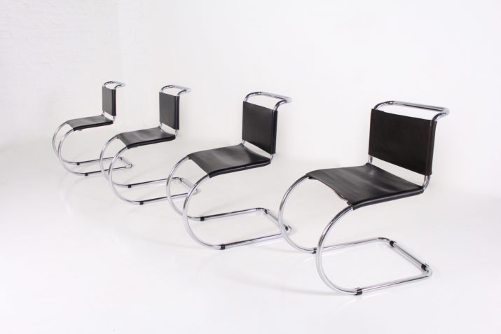 """4 chaises """"MR10 Cantilever"""" Mies van der Rohe"""
