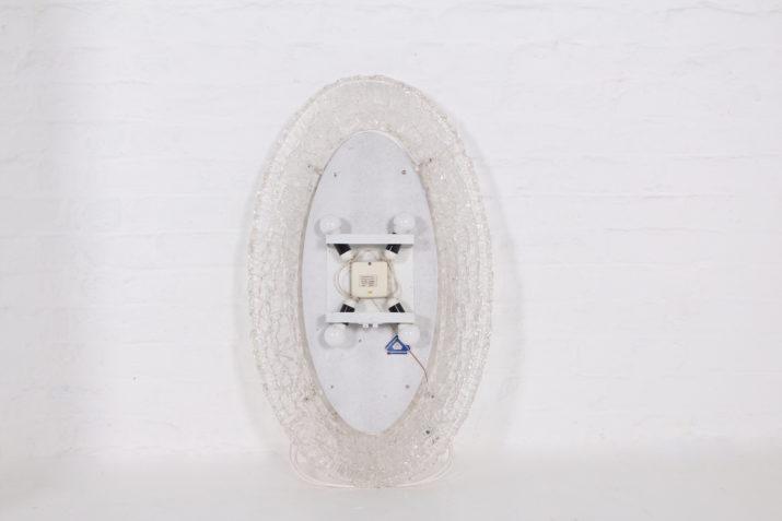 Miroir oval lumineux en acrylique