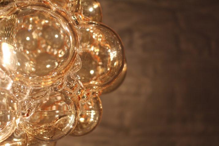 Suspension en verre soufflé ambré