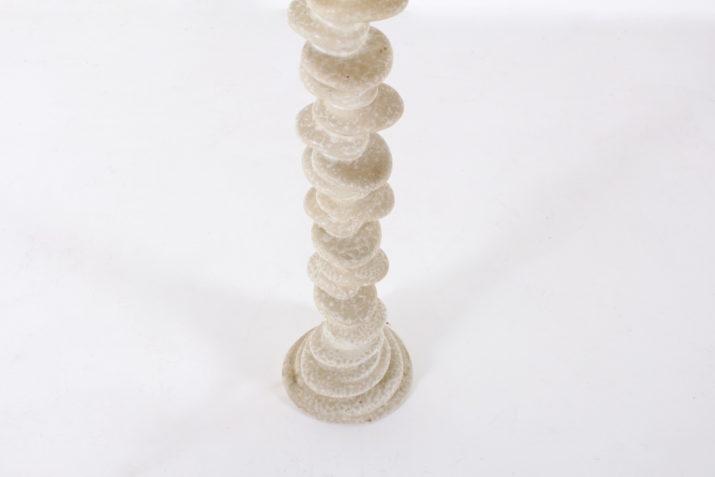 Lampadaire 'galets' en porcelaine.