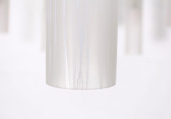 Lustre plafonnier italien en laiton & opaline