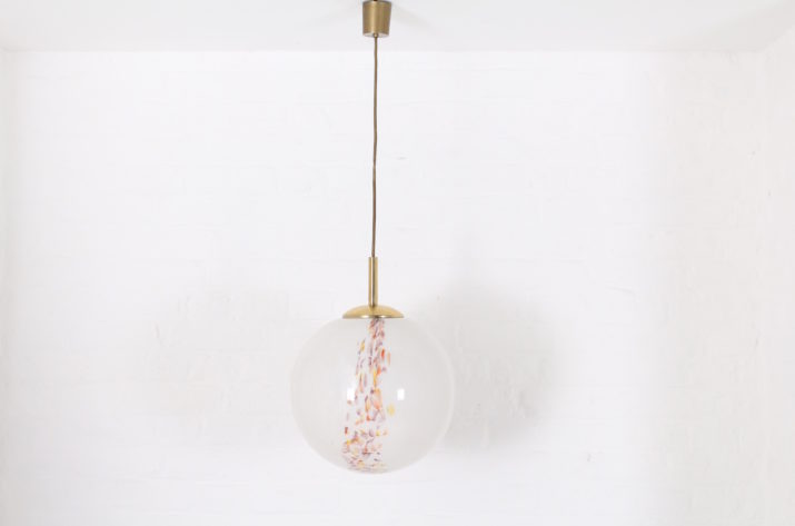 Suspension globe d'opaline marbrée