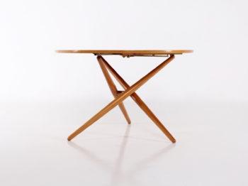 Table tripode Jürg Bally & Wohnhilfe
