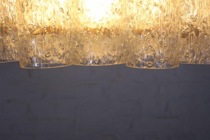 Lustre plafonnier Doria en verre tubulaire soufflé.