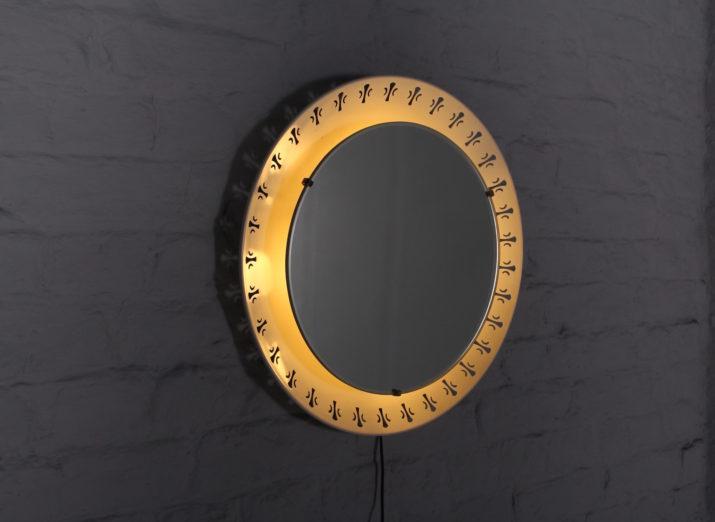 Miroir lumineux en tôle perforée, Hillebrand.